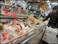 Whale meat on sale, Tokyo, Jan 09