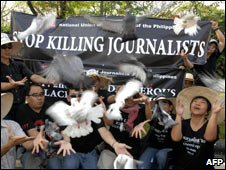 Journalists at rally with doves, Manila, Feb 07