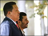 Hugo Ch�vez y Mahmoud Ahmadinejad, presidente de Ir�n