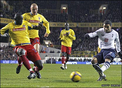 Aaron Lennon scores the opener for Spurs