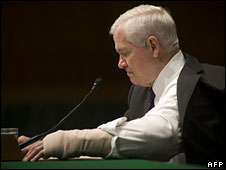 Robert Gates pauses during testimony before the Senate Armed Services Committee, 27 January 2009