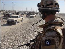 British MiTT officer watching Iraqi army