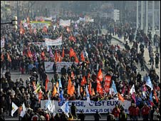 Strikers march in Lyon on 29 January 2009