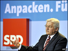 Frank-Walter Steinmeier addresses a SPD conference (8 January 2009)