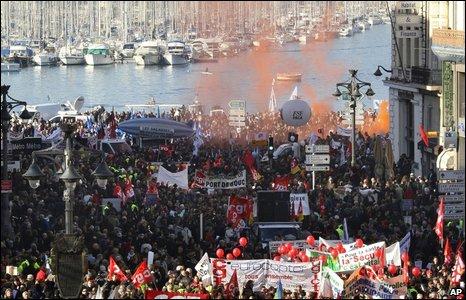 Los huelguistas se hicieron presentes en el puerto viejo de Marsella