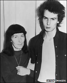 Sid Vicious with his mother Anne Beverley on 18 October 1978 after a court appearance over the murder of his Nancy Spungen