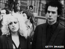 Nancy Spungen and Sid Vicious outside Marylebone Magistrates Court, London, in 1978