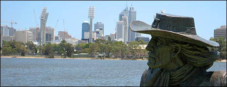 Explorer statue on Perth shoreline