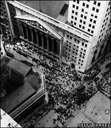 Crowds gathered in Wall St as news of the 1929 crash spread