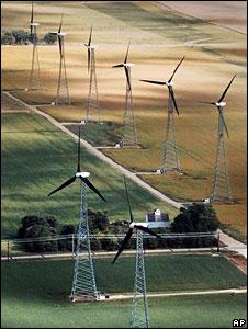 Iowa wind turbines (File picture)