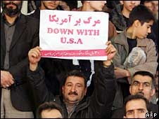 An Iranian man holds an anti-US sign in Tehran. Photo: 31 January 2009