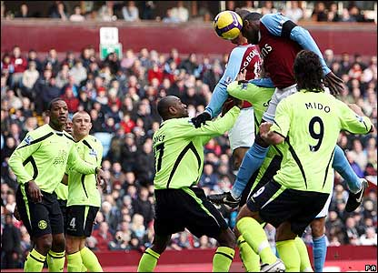 Heskey rises above Wigan's defence