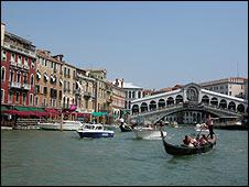 Venice launches tourist website