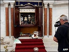 Desecrated synagogue in Caracas, Venezuela (31/01/2009)