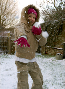 Girl throwing snowball (Pic: Adam Rickets)
