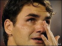 Roger Federer llorando