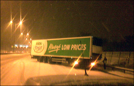 Lorry jack-knifed in the snow