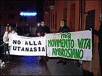 Activistas contra la eutanasia