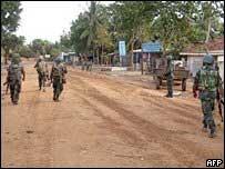 Soldados cingaleses en el noreste del país