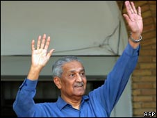 Pakistani nuclear scientist Abdul Qadeer Khan at his home in Islamabad after a court verdict on Feb 6, 2009