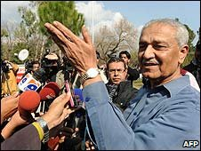 Pakistani scientist Abdul Qadeer Khan at his home in Islamabad (06/02/2009)