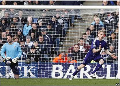 Scott Carson, West Bromwich Albion; Damien Duff, Newcastle United