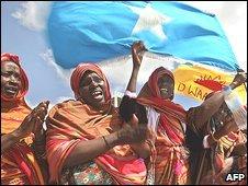 Somalis line route to greet new president