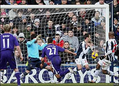 Steven Taylor scores for Newcastle United