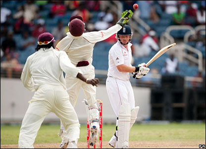 Ian Bell is caught by Denesh Ramdin