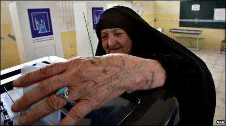An Iraqi voter in Najaf, 31/01