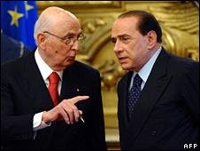 Giorgio Napolitano (left) and Silvio Berlusconi (file)