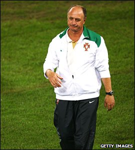 Scolari leaves Portugal to take the Chelsea job