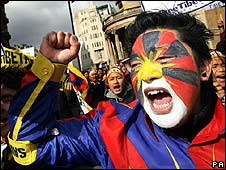 A man demonstrates in London against China's violent crackdown on protests in Tibet (2008)