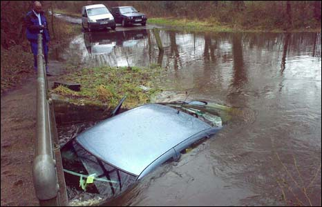 Car submerged in floods in Chobham, Surrey (pic: Jim Dowle)