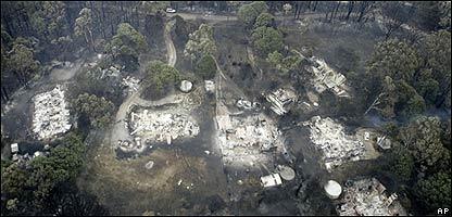 Casas quemadas en Australia