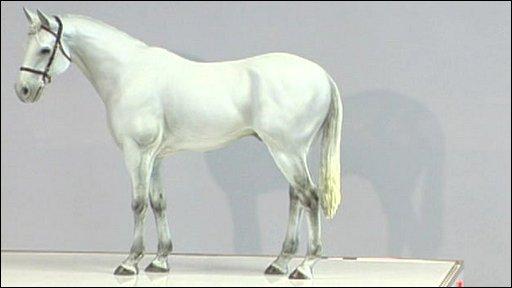 White Horse Standing Still | www.pixshark.com - Images ...