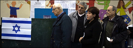Israelis queue to vote