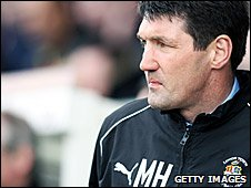 Luton manager Mick Harford