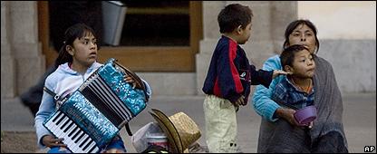 Una familia en una calle de Ciudad de M�xico