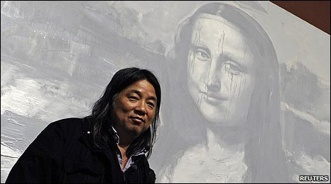 Yan Pei-Ming with his version of Mona Lisa