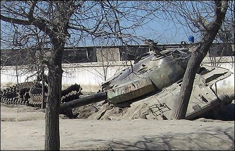 A wrecked Soviet tank in Afghanistan (image: cqdx)