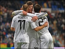 Real Madrid players celebrate after scoring Osasuna during the La Liga match