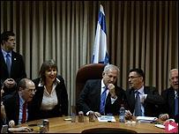 نتنياهو في لقاء مع قيادات حزبه