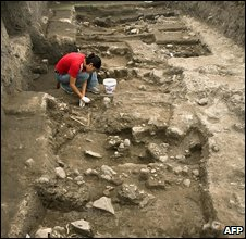 Archaeologist at work in an Aztec burial ground