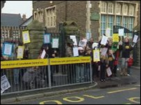 Protest Ysgol Lansdowne