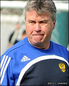 Hiddink will watch Chelsea play Watford on Saturday