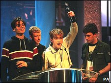 Blur at the Brit Awards 1995