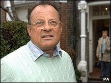 David  Mills arriving at his former home in 2006