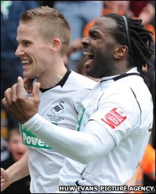 Mark Gower and Jason Scotland celebrate Swansea's leveller