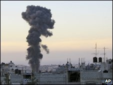 Mushroom cloud over Rafah (13/02/2009)